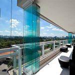بالکنی زیبا و کاربردی با نصب شیشه بالکن